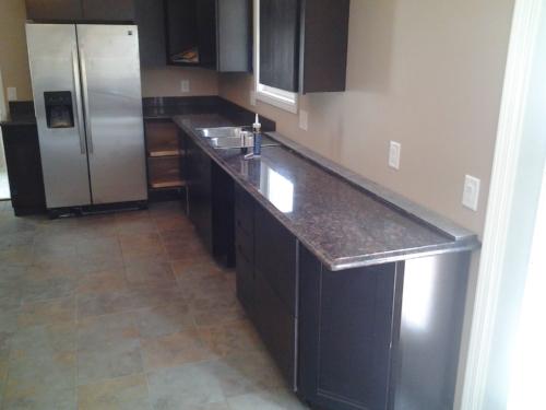 04 Custom Fabricated Granite Kitchen 1